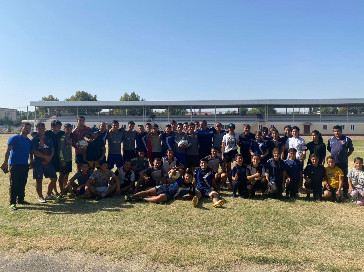 Успешно проведены товарищеские матчи между мужскими и женскими командами