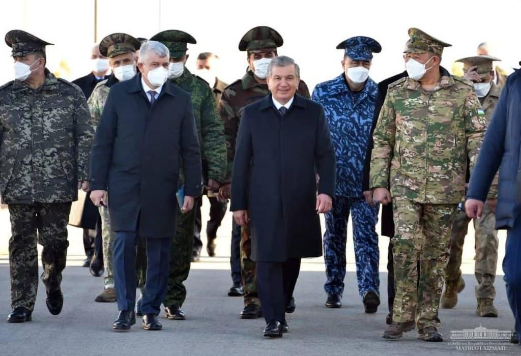 Глава государства понаблюдал за показательными занятиями по боевой подготовке